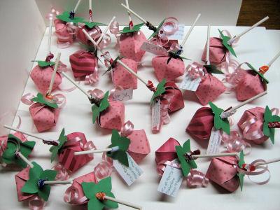 Strawberry lollipop holders, how sweet!