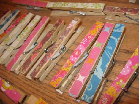 Here are the finshed clothespins (not dry yet) don't worry about blobs of glue, they will flatten out when they dry)