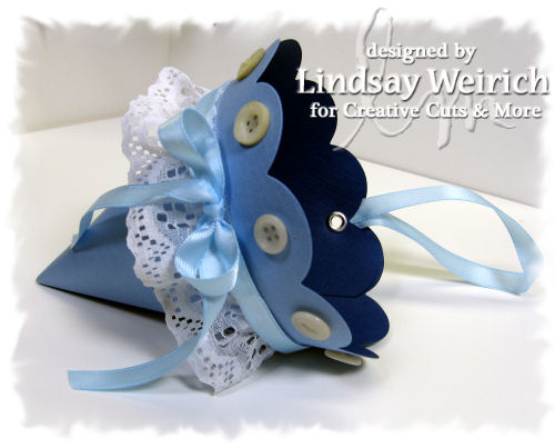 Isn't this cardstock cool? I love how the color is diffrent on the inside!