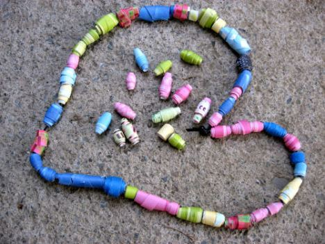 Make these beads with rolled strips of paper!