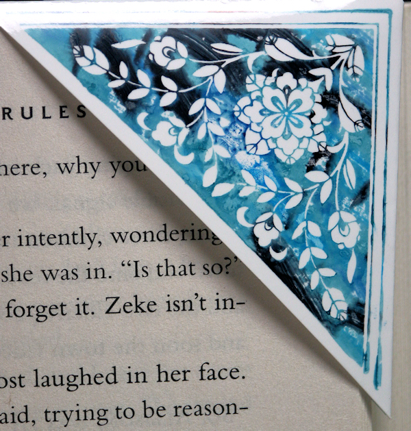 how to make a corner bookmark uding the template