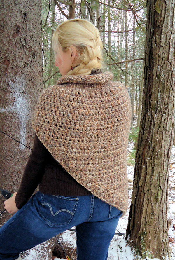 It s like a dystopian hug! {a free Katniss cowl wrap ...