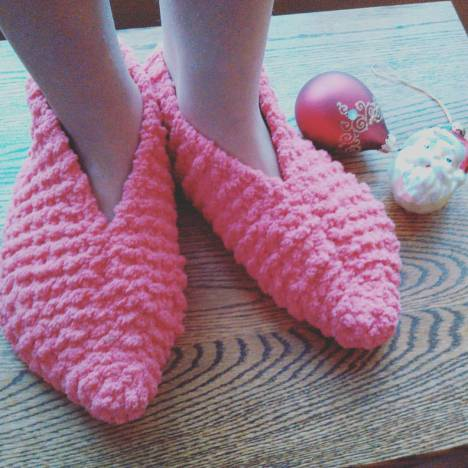Knitting Needle Set Giveaway Free Adjustable Slipper Pattern