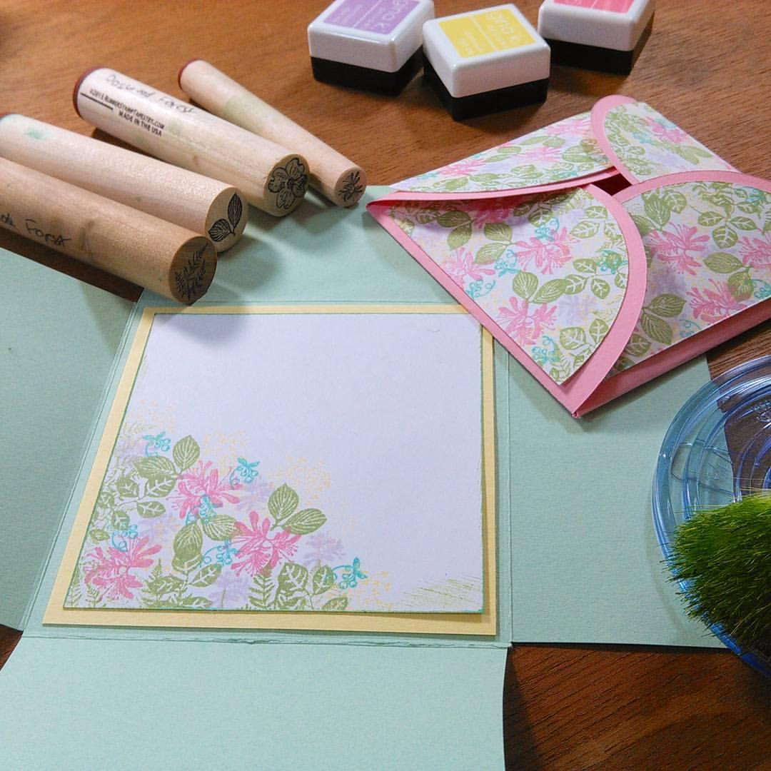 Fun & Easy Petal Flap Cards!