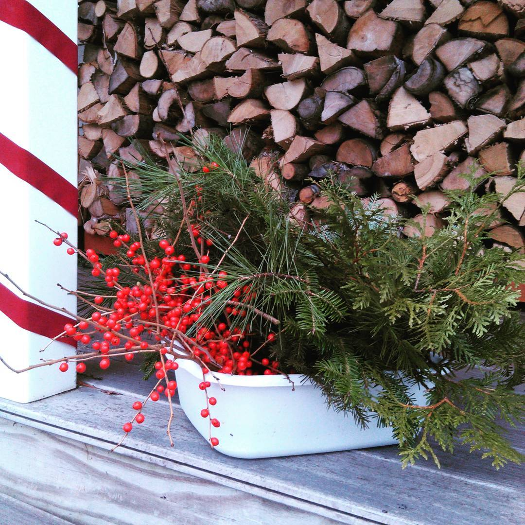 It's Time To Deck The Halls {DIY & Frugally of Course!}