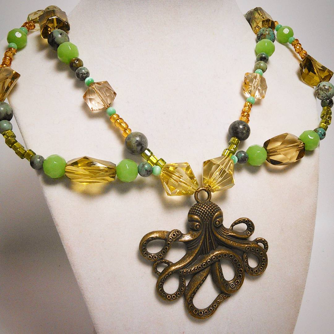 Steampunk Inspired Octopus Multi Strand Necklace with Peter Pan Style Collar Tutorial