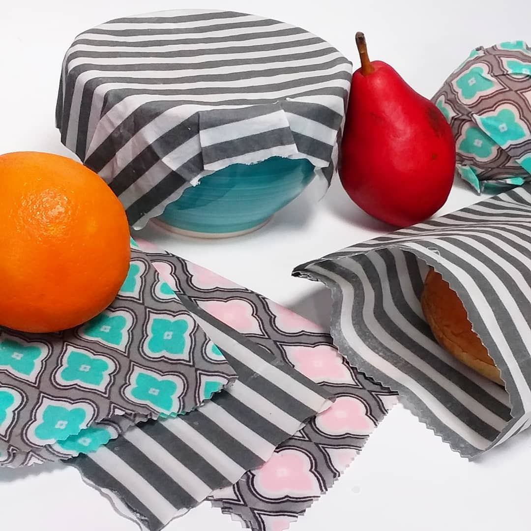 DIY Waxed Fabric Wraps // Eco Craft {food storage}